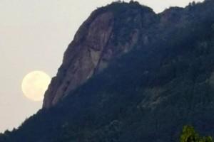太美了年度最大的超级月亮现身天宇你拍到了吗