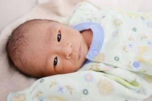 新出生的婴儿注意什么如何护理新生儿